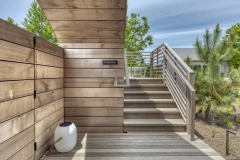 18-Stair-to-Roof-Deck